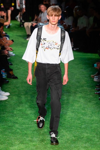 http://fuckingyoung.es/off-white-springsummer-2019/