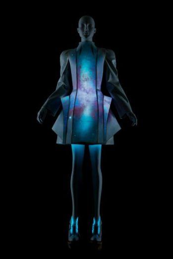 futuristic fashion 3