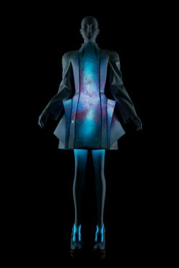 futuristic fashion 3